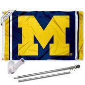 Michigan Wolverines Jersey Stripes Flag and Bracket Flagole Set