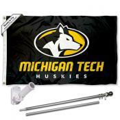 MTU Huskies Logo Flag and Bracket Flagpole Kit