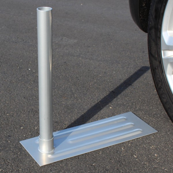 Tailgate Flag Pole Wheel Stand