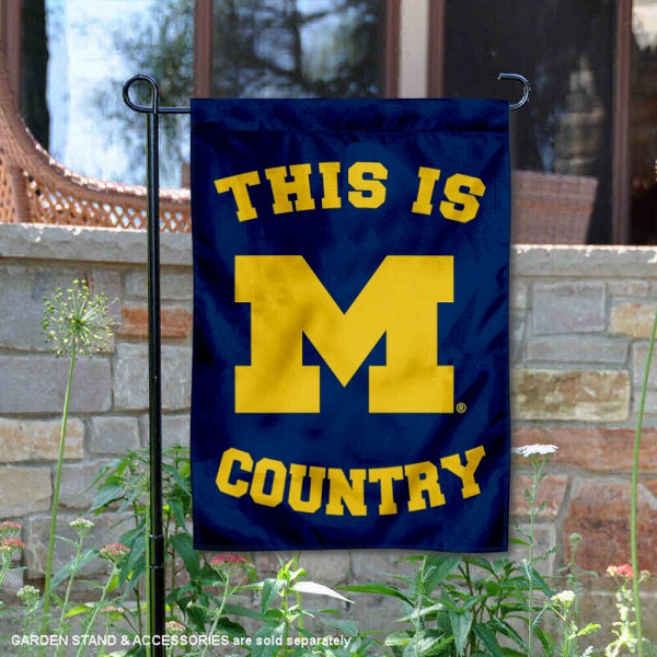 This is Michigan Wolverines Country Garden Flag