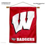 UW Badgers W Logo Banner with Pole